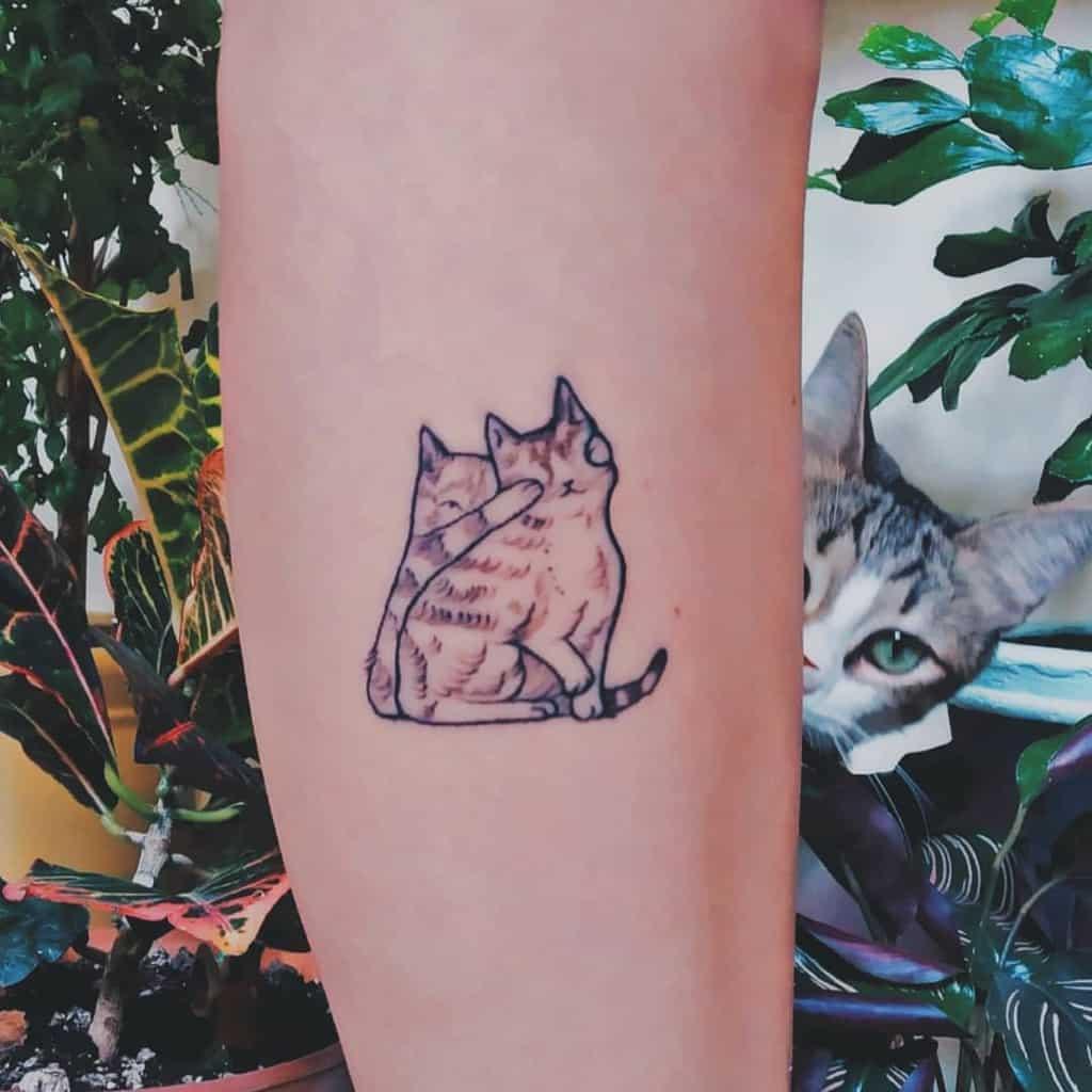Tatouages d'avant-bras de petits chats mar.delio