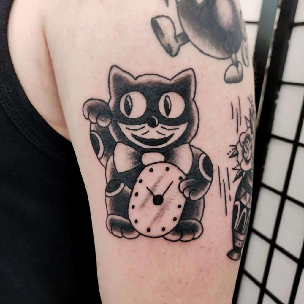Tatouages de petits chats noirs bluthtattoo