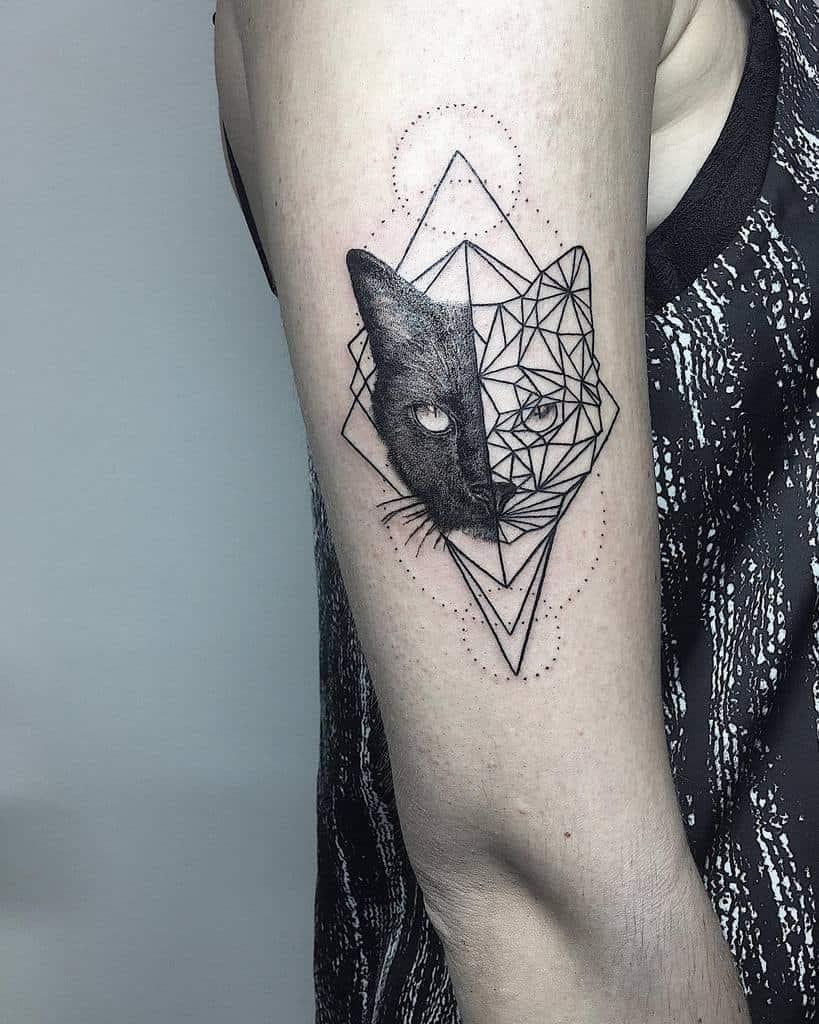 Petit chat Tatouages de bras supérieur anke.cools