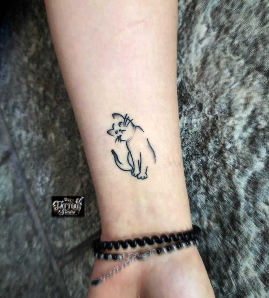 Tatouages de poignets de petits chats deotattoocasoria