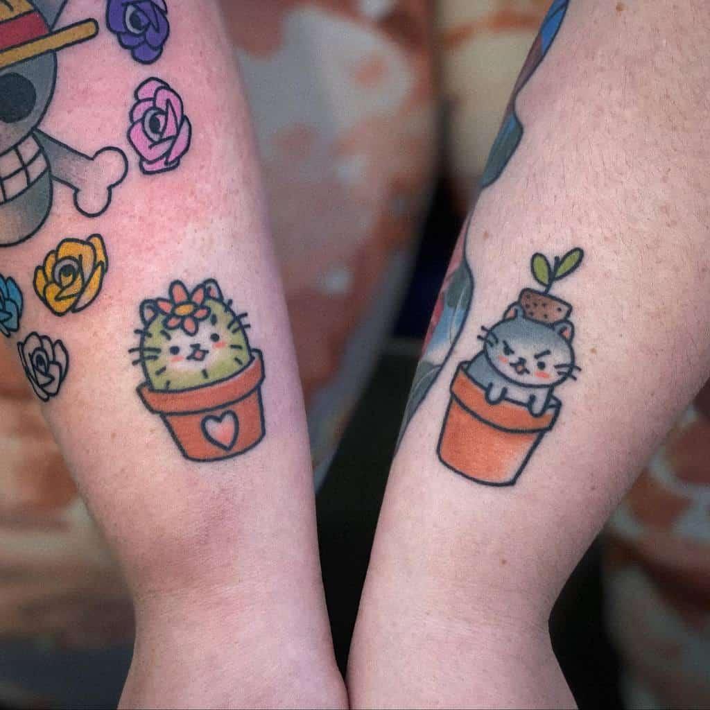 Tatouages de poignets de petits chats xtatianasandbergx