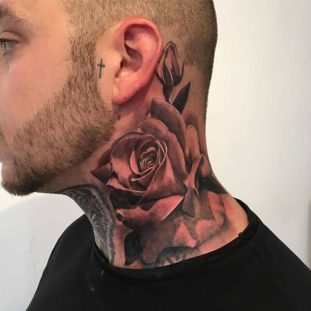 Tatouages réalistes en col de rose kitt_tattooer