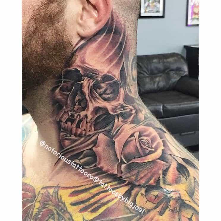 crâne cou rose tatouages notorioustattooco