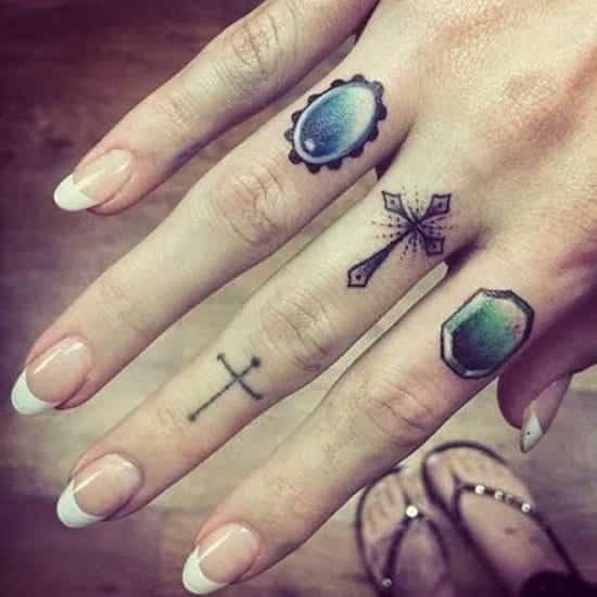 Small Women Finger Tattoos thestyleupwebsite