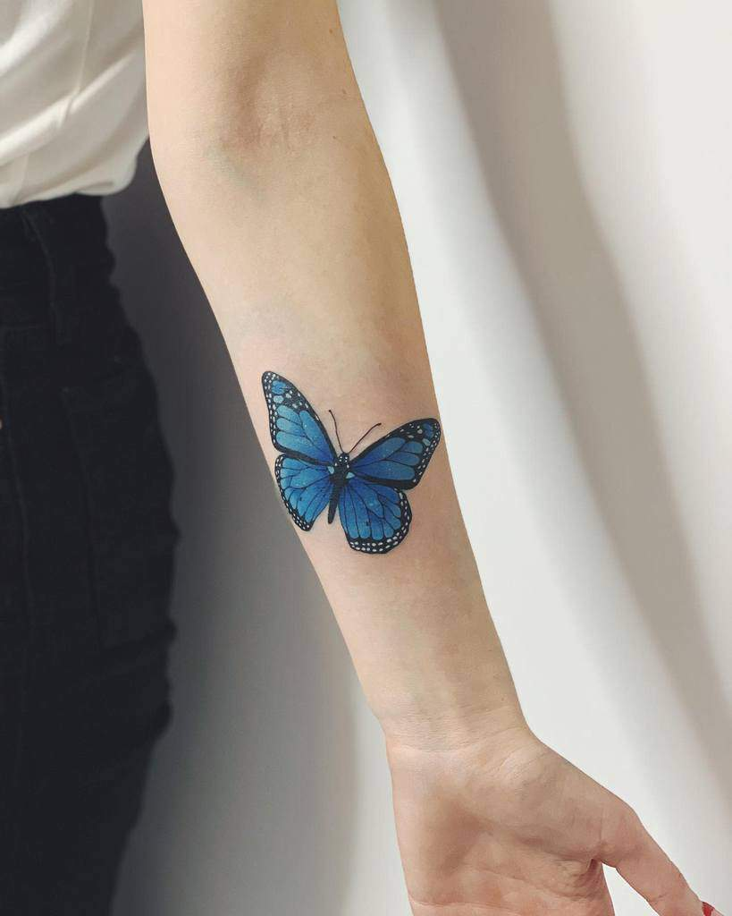Tatouages d'avant-bras de petits papillons Encre de corne