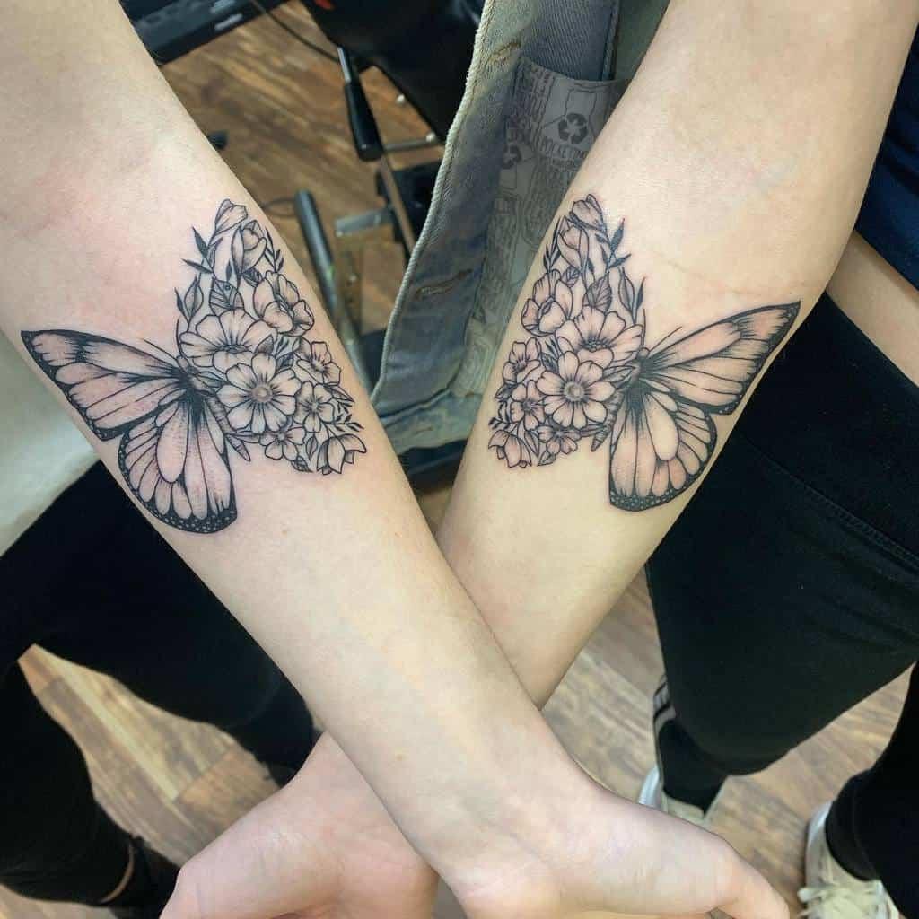 Tatouages d'avant-bras de petits papillons Inkbykg