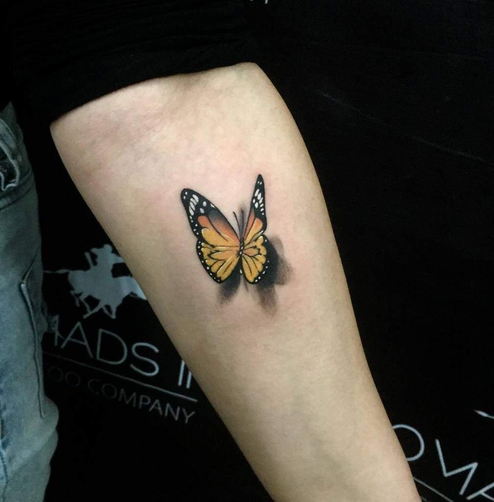 Tatouages d'avant-bras de petits papillons Boldtgym