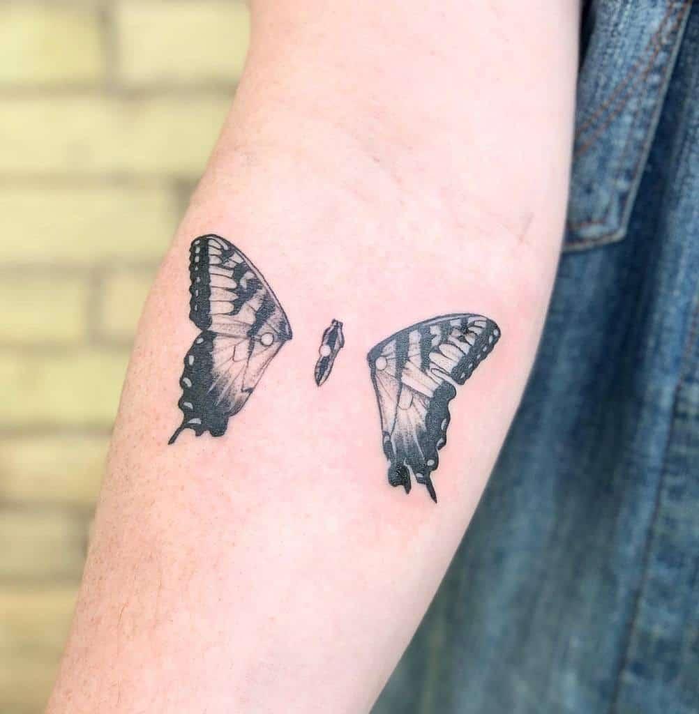 Tatouages d'avant-bras de petits papillons Kristinevodon