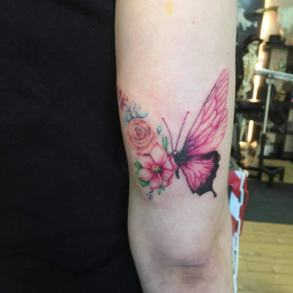 Tatouages de petits papillons colorés Chani.ev.tattoos