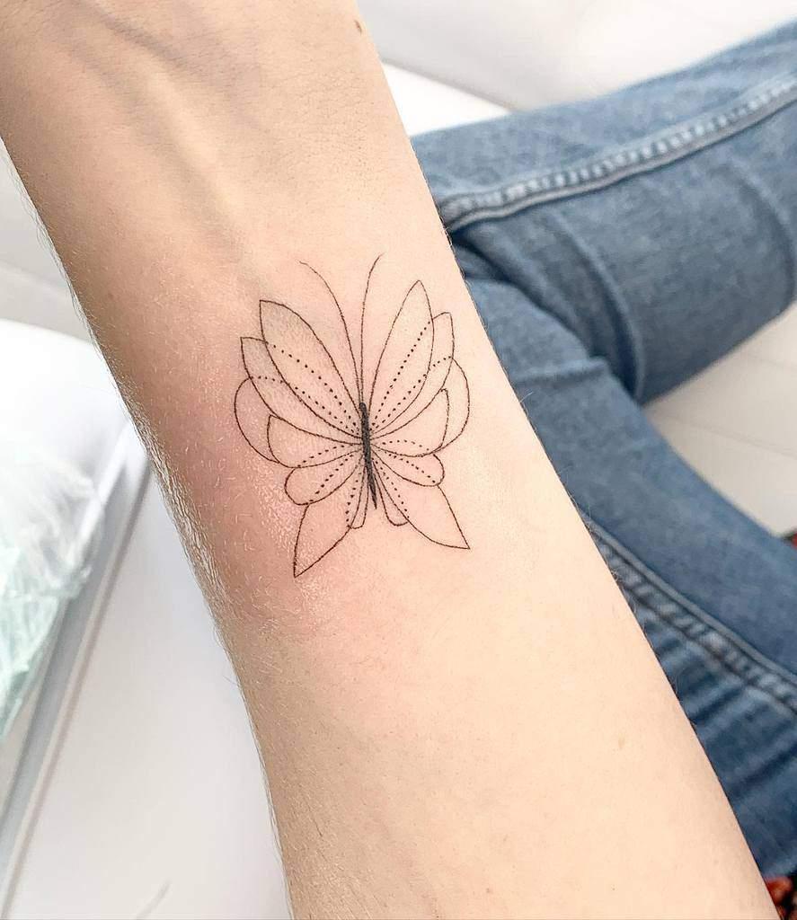 Tatouages d'avant-bras de petits papillons Feminink