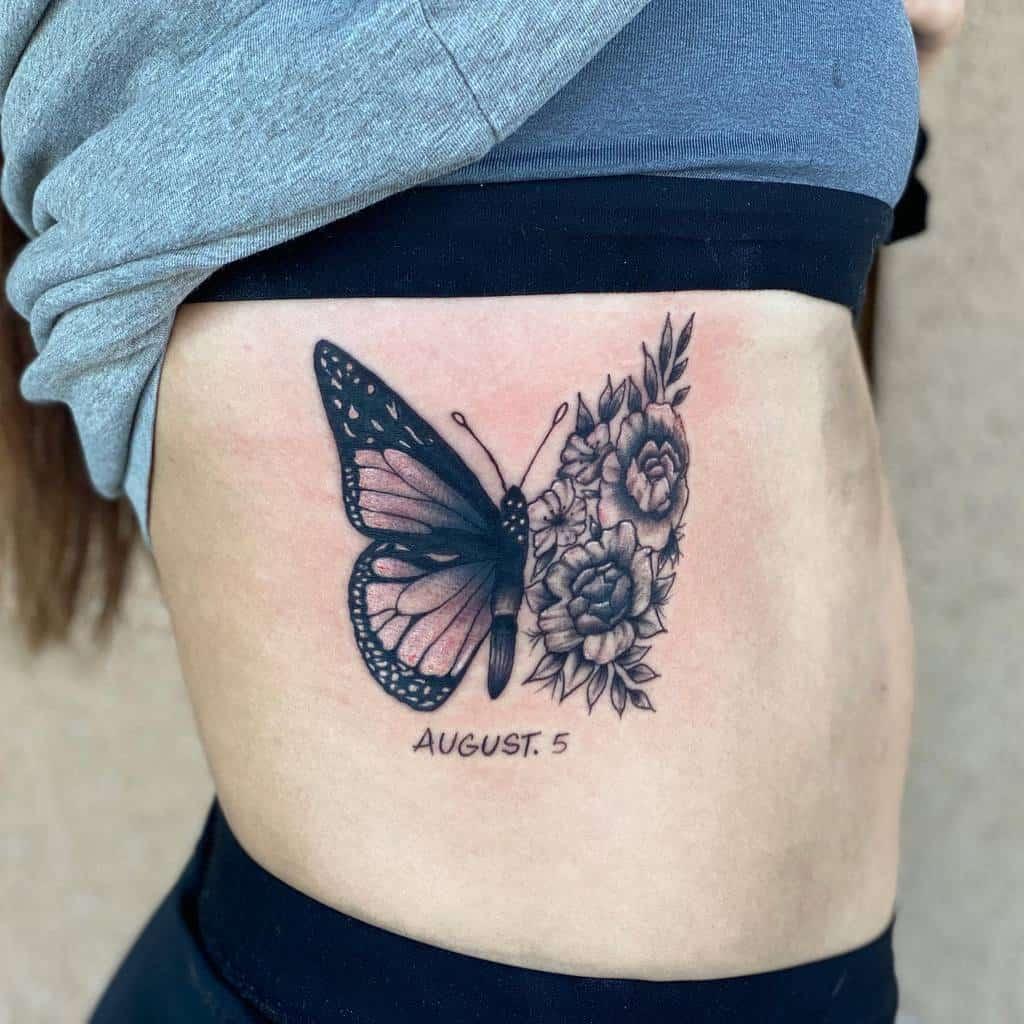 Tatouages de côtes de petits papillons Johnnyavetheartist