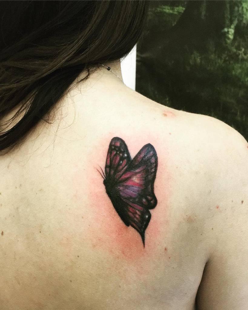 Tatouages d'épaules de petits papillons Isa.b.russo