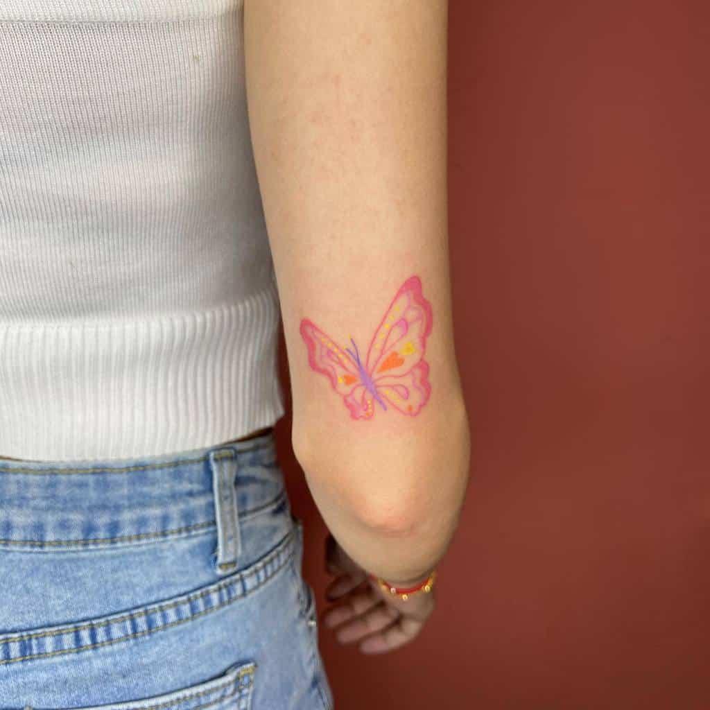 Tatouages de petits papillons sur les bras Wisyyyyy