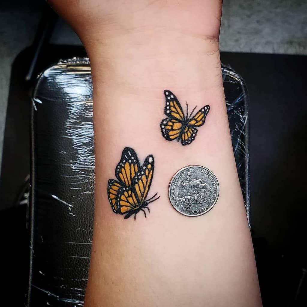 Tatouages de poignets de petits papillons Johnnybee Art