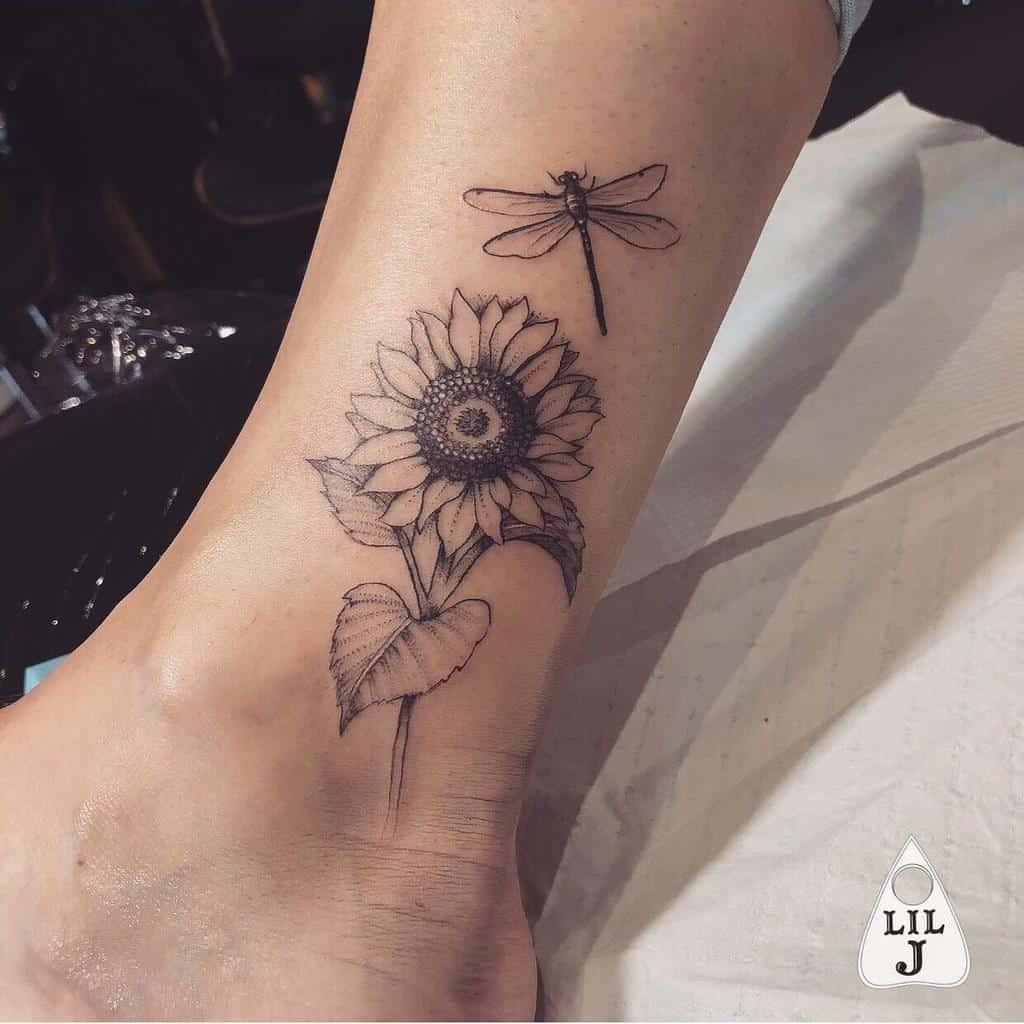 Petit tatouage de tournesol Liljtattoos