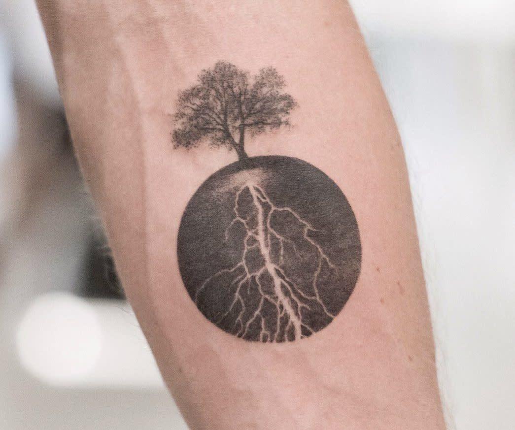 Petits tatouages d'avant-bras significatifs Pratstattoo