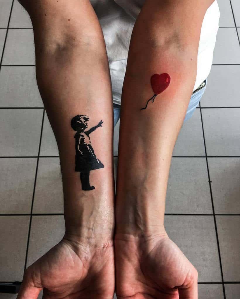 Petits tatouages d'avant-bras significatifs inspirés de la râpe