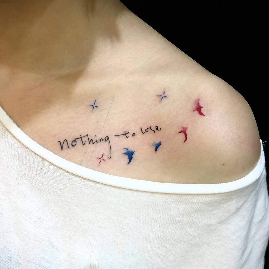 Petits tatouages significatifs de Qoute Hkinkt2