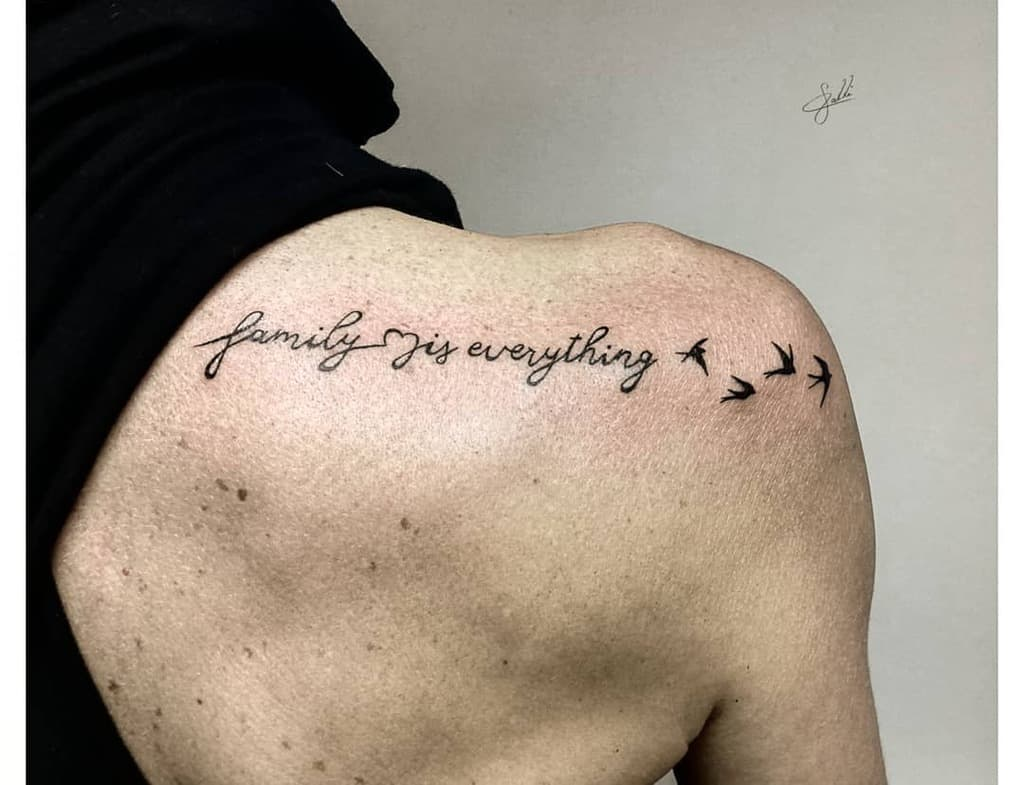 Tatouages de petites épaules significatives Calli Tattoo