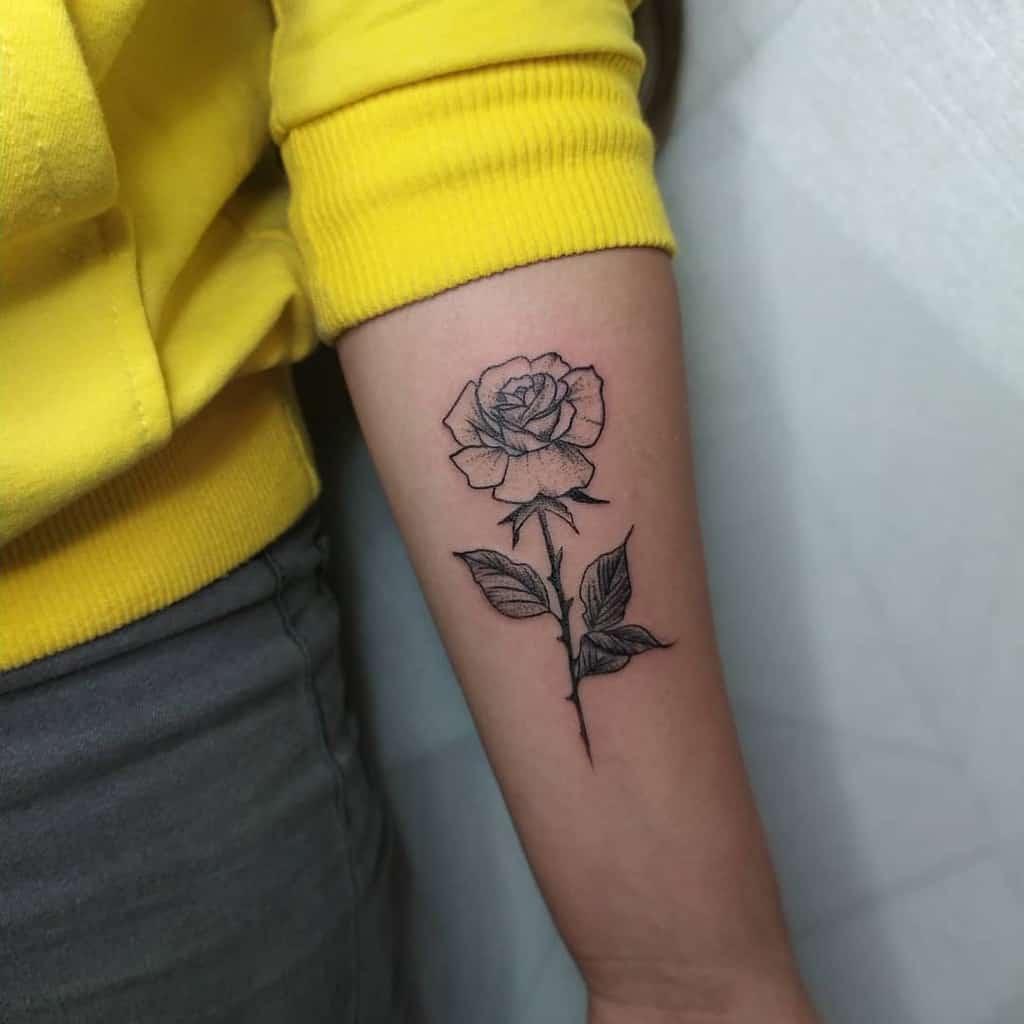 Tatouages d'avant-bras à petites fleurs C.s.tattoo
