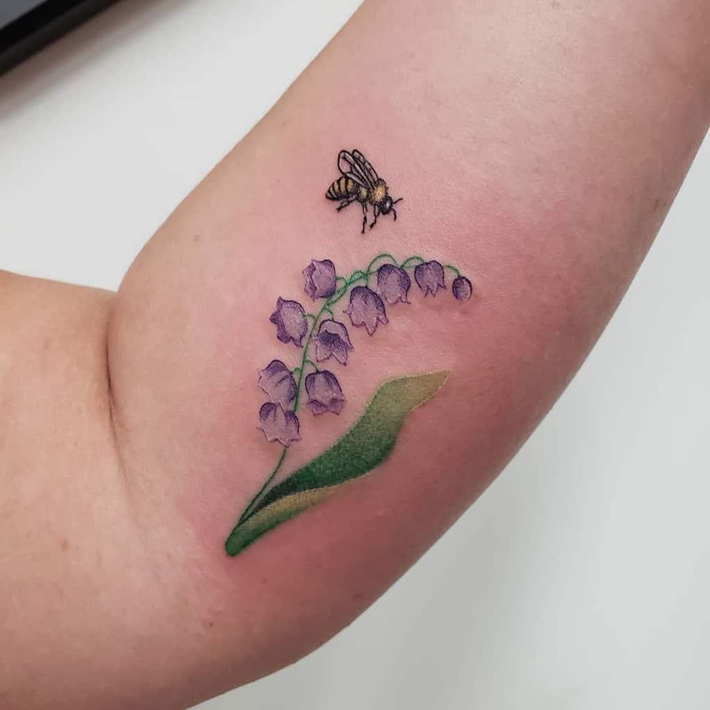 Tatouages d'avant-bras à petites fleurs Queenmabofspells