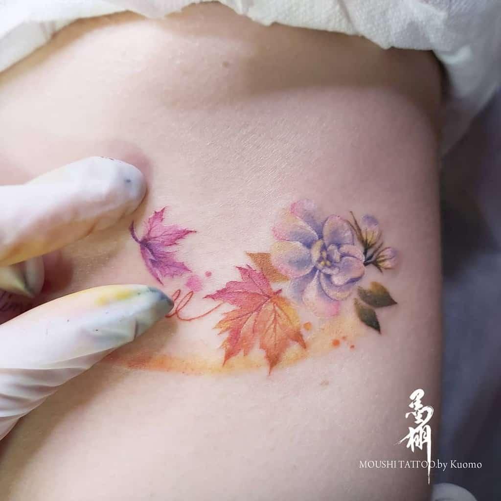 Tatouages de côtes de petites fleurs Wowwow019
