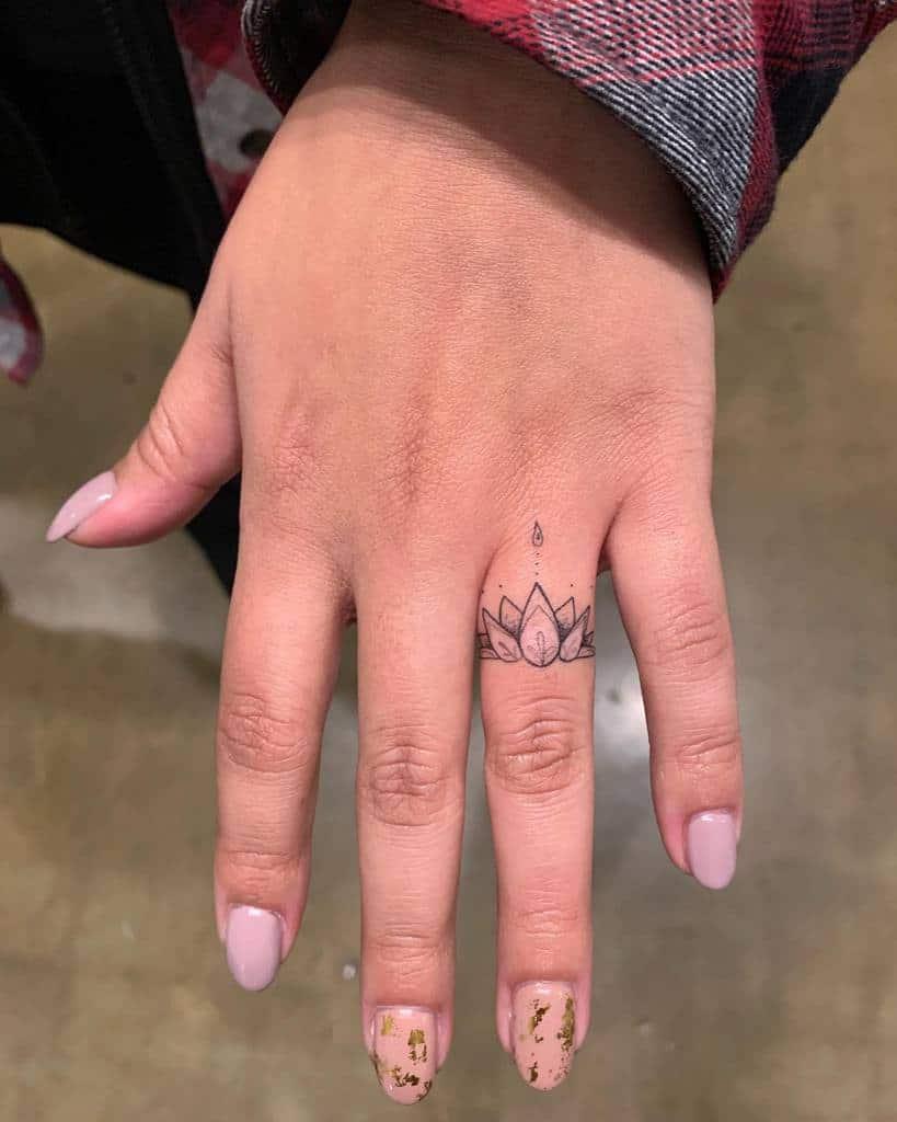 Mignons petits doigts de la mainTatouages 2 Royalfusion