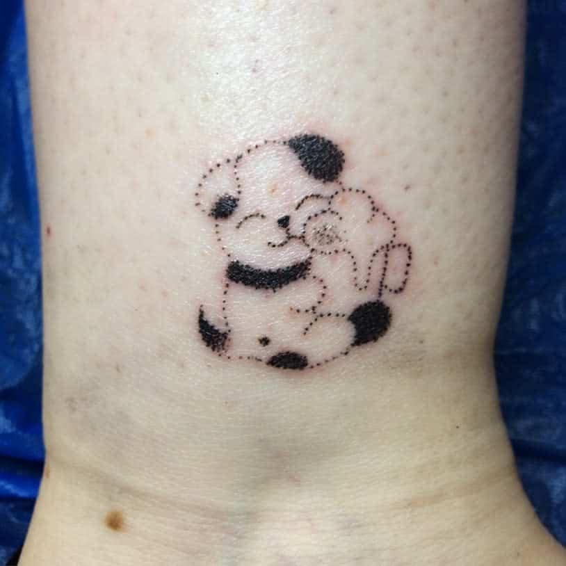 Mignons petits tatouages de poignet . Makimaki .