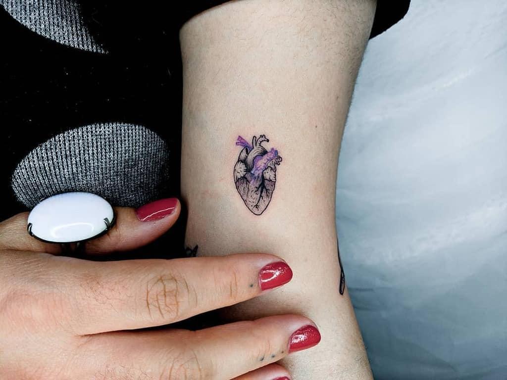 Tatouages des petites épaules du cœur Murilocaldastattoo