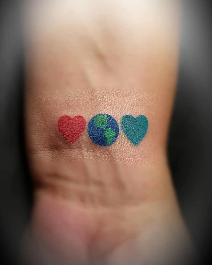 Tatouages de petits cœurs colorés J Muniz27