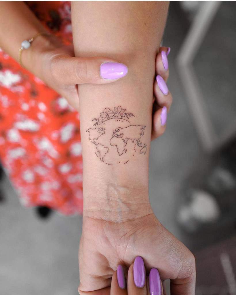 Tatouages de petits poignets pour femmes Small.tattoos.ideas