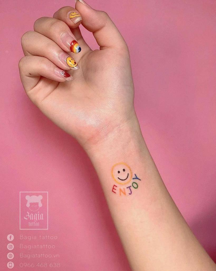 Tatouages mignons de petits poignets Bagiatattoo