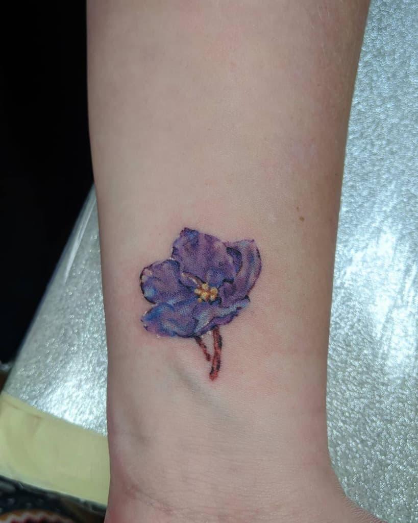 Tatouages de poignets à petites fleurs Trickylake
