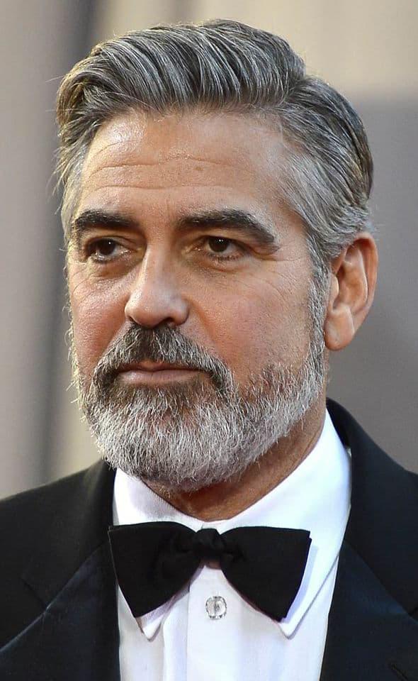 George Clooney barbe courte en boîte