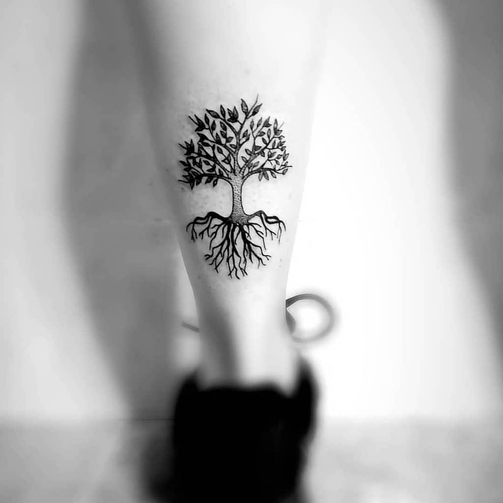 L'arbre en haut et en bas Tatouages Art.patri