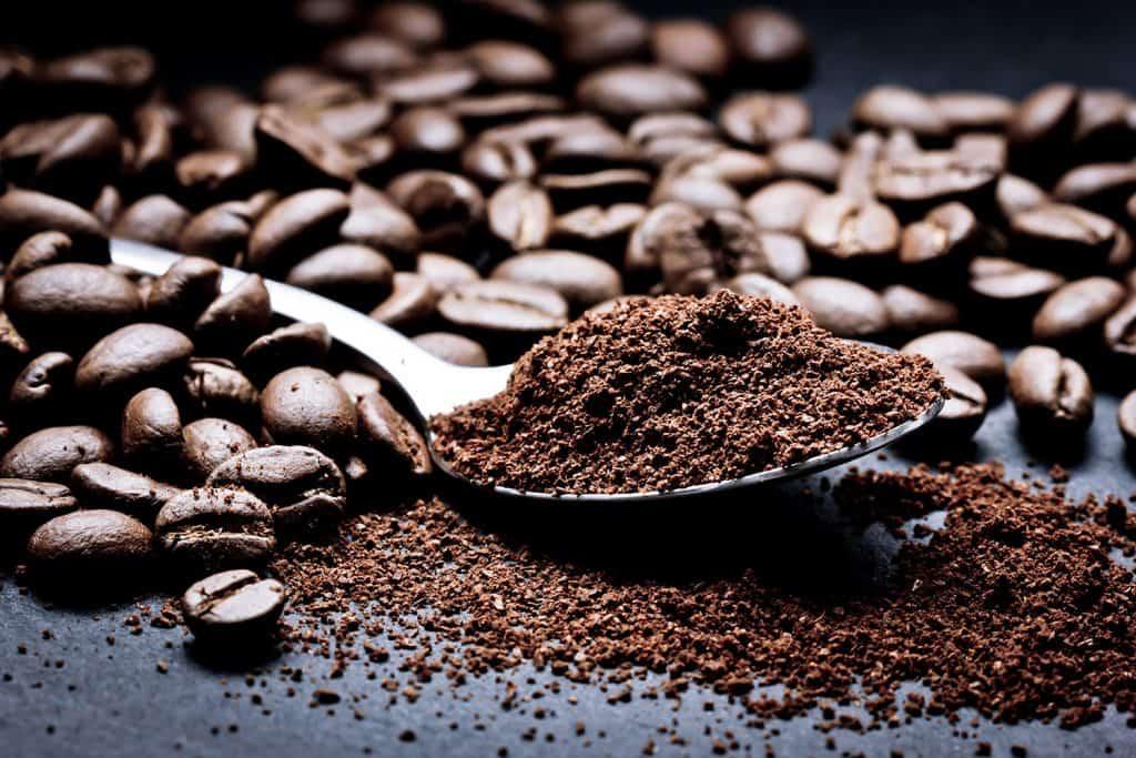 la caféine pour la croissance de la barbe