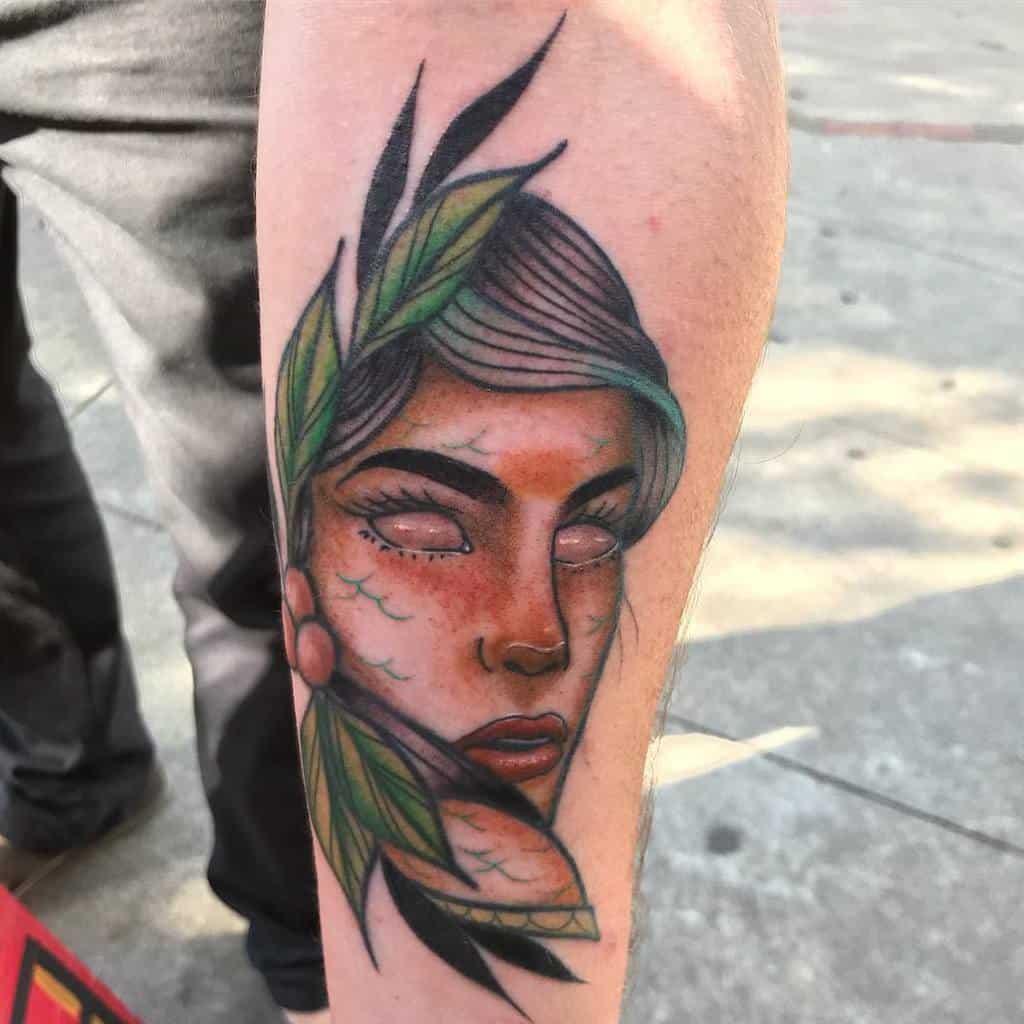 Tatouages des sirènes de Neotrad où l'on trouve le tatouage de la sirène