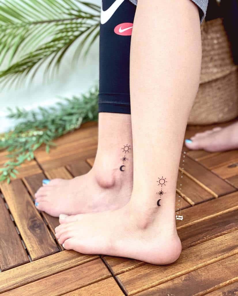 Tatouage du petit pied de la cheville pour les femmes Xoxo N1ne.9