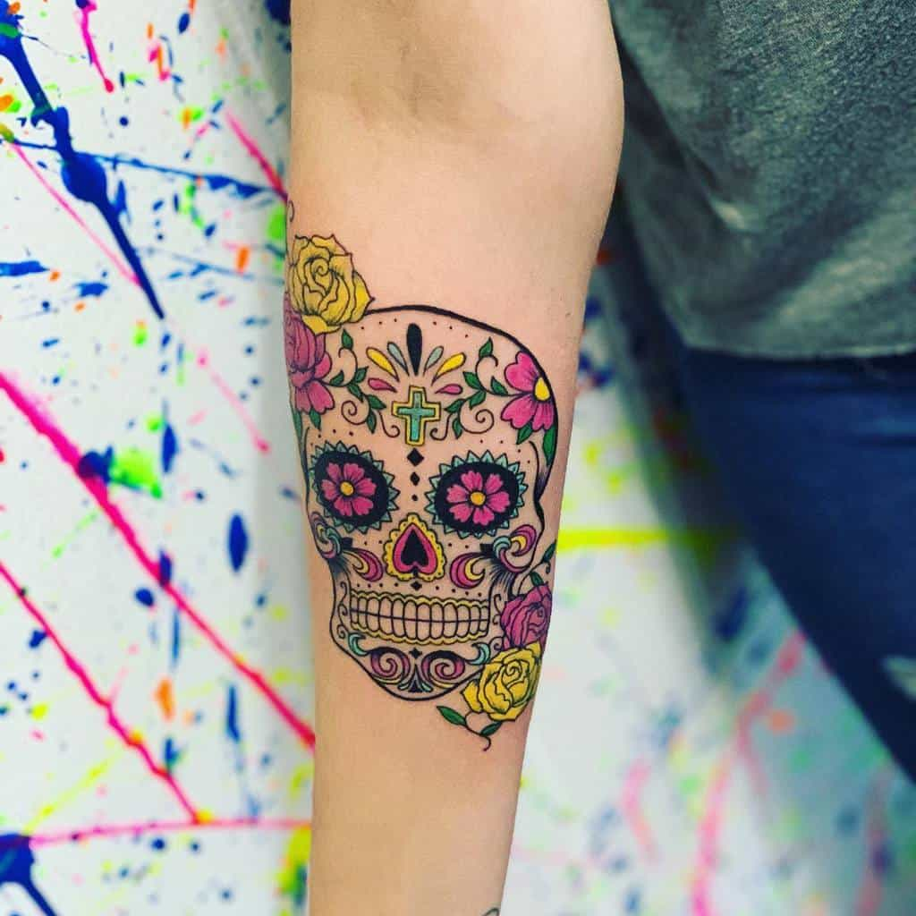 Petit tatouage d'avant-bras pour femmes Estebitan Zc