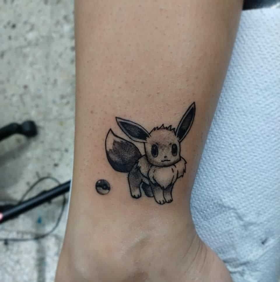 Petits tatouages Eevee Narsynk