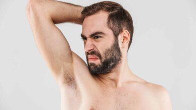 5 raisons pour lesquelles les hommes devraient se raser les aisselles (& 5 raisons pour lesquelles ils ne devraient pas)