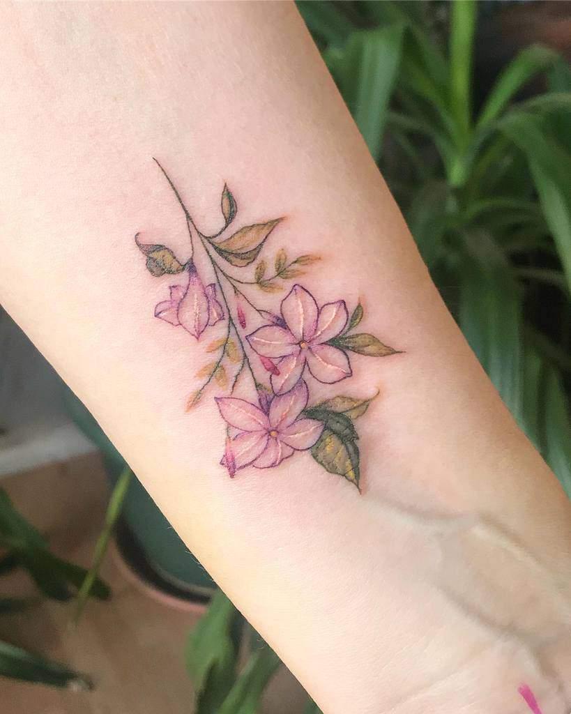 Tatouages minimalistes de fleurs de jasmin Ashleytysontattoo
