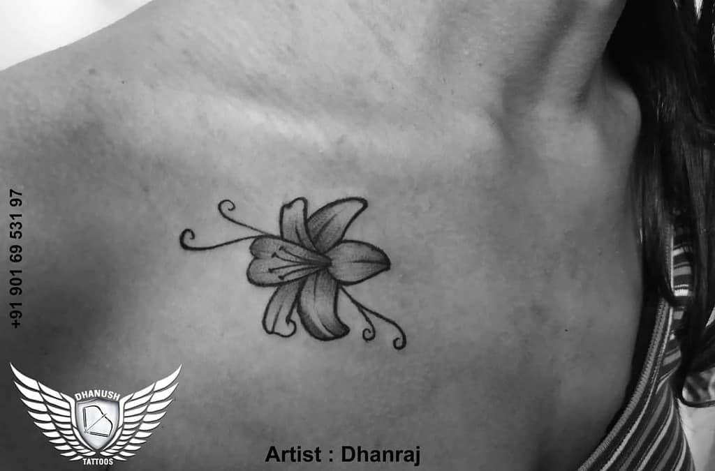 Tatouages minimalistes de fleurs de jasmin Dhanushtattoos