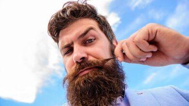 Photo de Comment tailler votre moustache comme un pro en 7 étapes faciles et illustrées