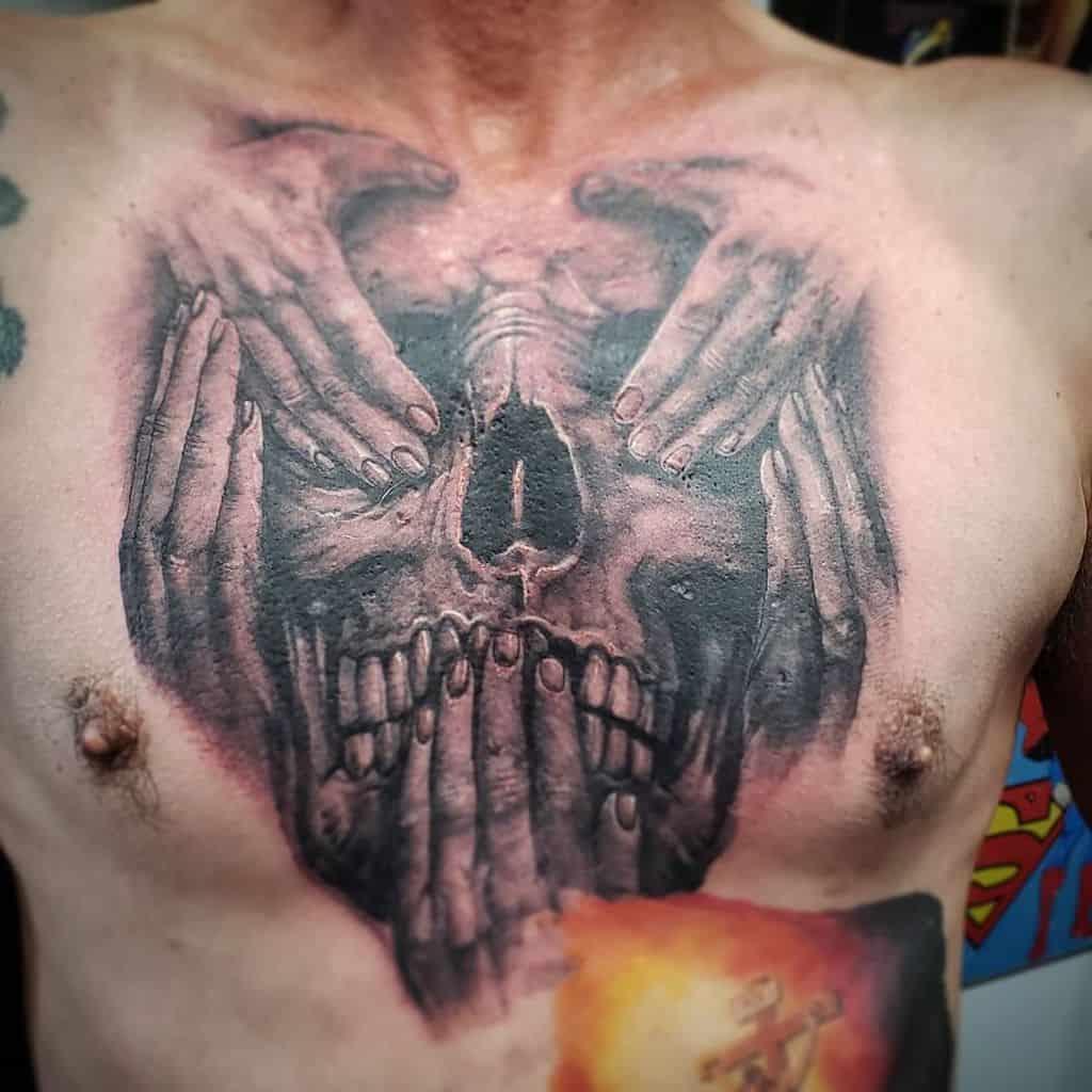 La poitrine n'entend pas le mal ne voit pas le mal ne parle pas le mal Tatouages Oxocèles