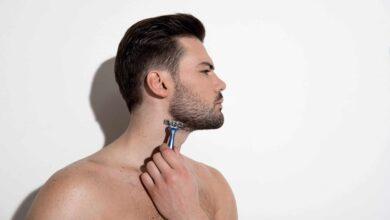 Comment tailler et façonner le parfait décolleté de la barbe en 11 étapes simples