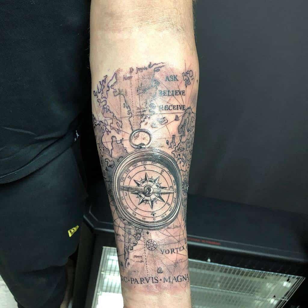 Tatouages Mfila77 de Compass Sic Parvis Magna