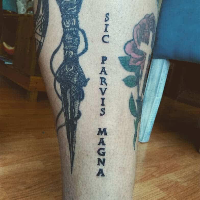 Blackwork Sic Parvis Magna Tattoos Enoch.ink