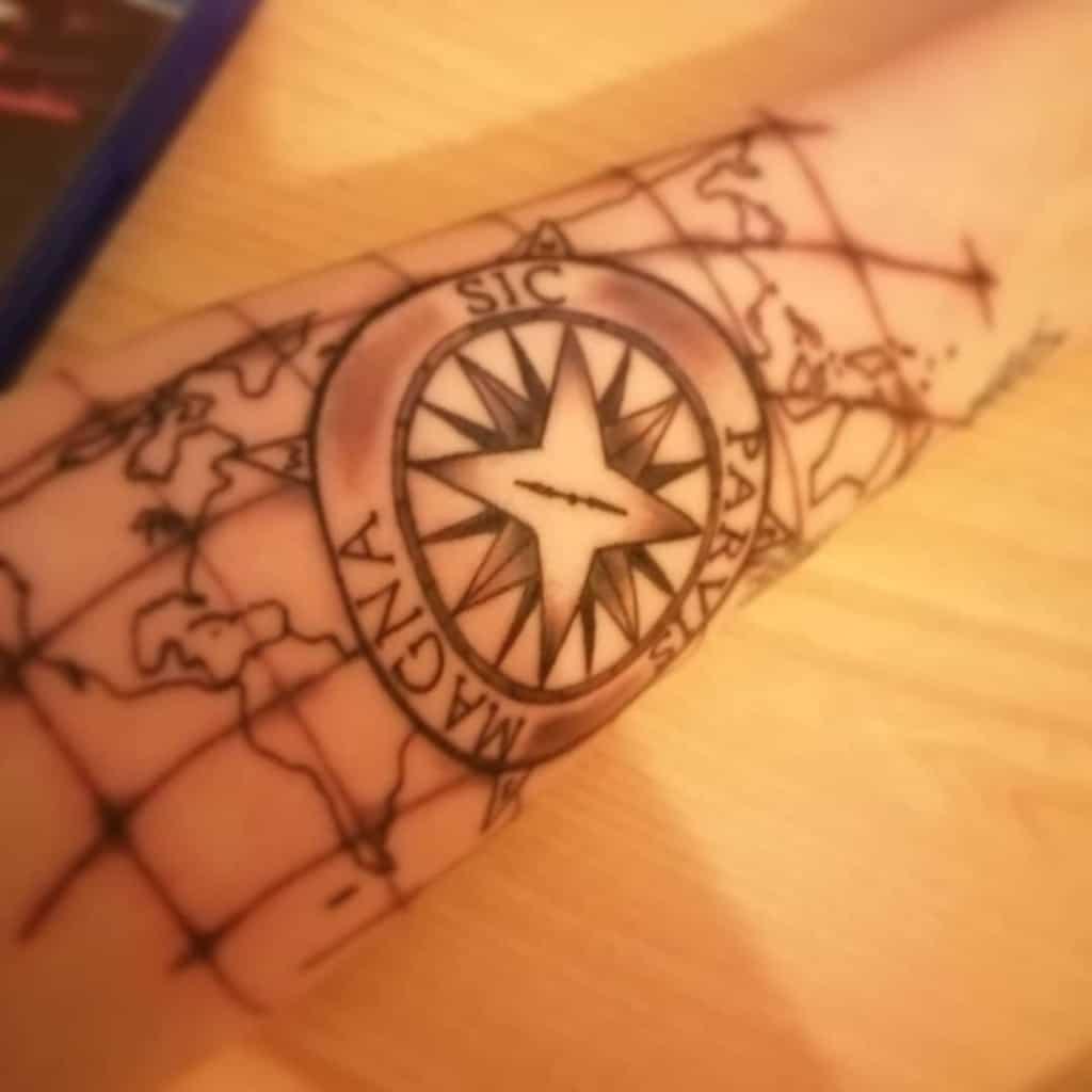 Tatouages Compass Sic Parvis Magna Jeux Cjb