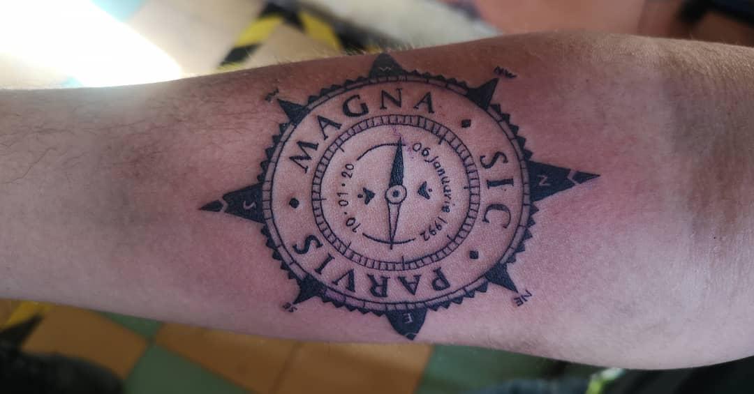 Tatouages Compass Sic Parvis Magna Abdieljg9220
